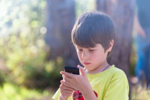 """How to protect your child against the dangers of """"Pokemon Go"""""""