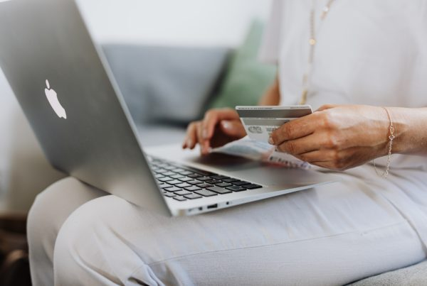Protecting Your Identity While Online Shopping