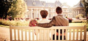 header-couple-on-bench