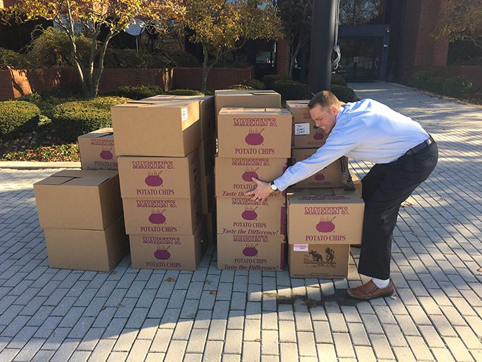 box-project-man-with-boxes