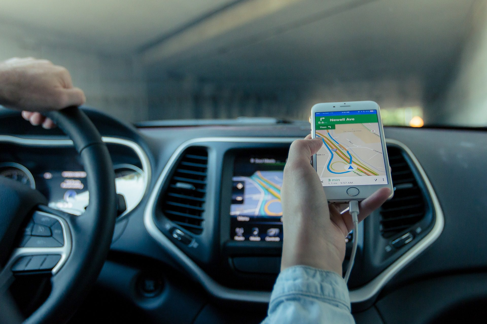 What insurance gaps exist when driving for Uber or Lyft?