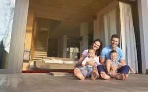 Homepage - Personal Insurance Family in Front House
