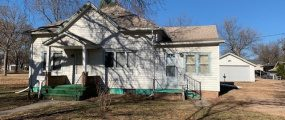 5th 429 W, Red Cloud, Nebraska 68970, 2 Bedrooms Bedrooms, ,1 BathroomBathrooms,Single Family Home,For Sale,429 W,1026
