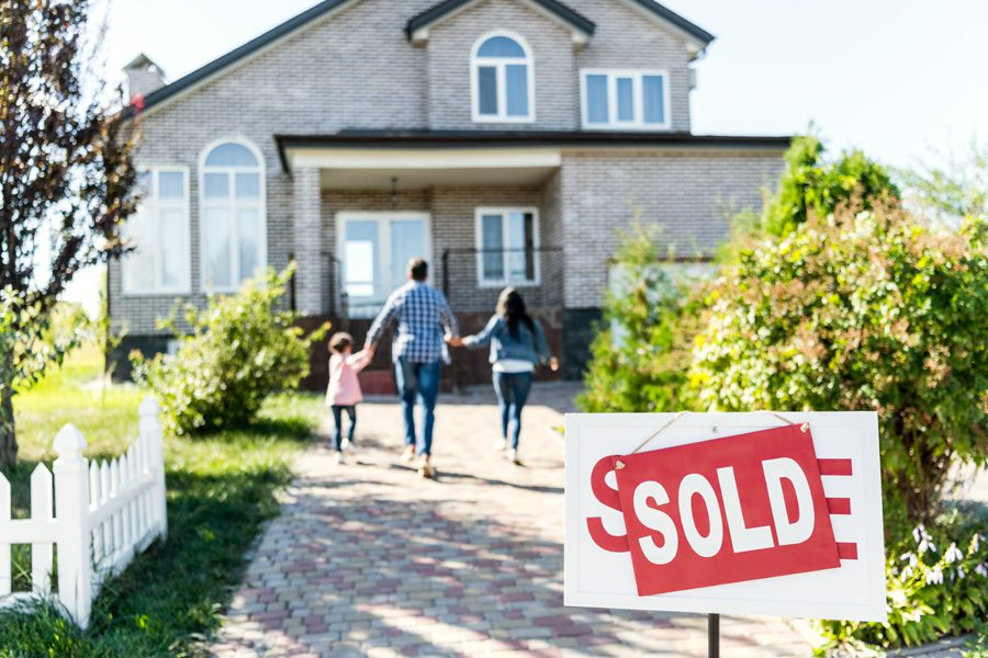 Header - Personal Insurance Family Selling Home