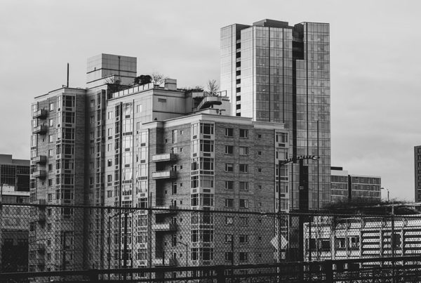 Blog - Structural Issues and Aging Buildings - Black and White Old Building