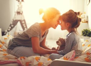 Header-Mom-and-Daughter