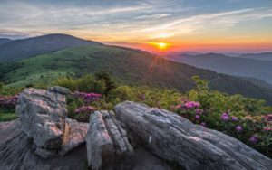 Homepage - Sunset Over the Mountain