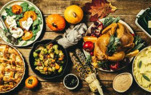 Win a Thanksgiving Turkey For A Friend - Full Table Of Delicious Thanksgiving Meal