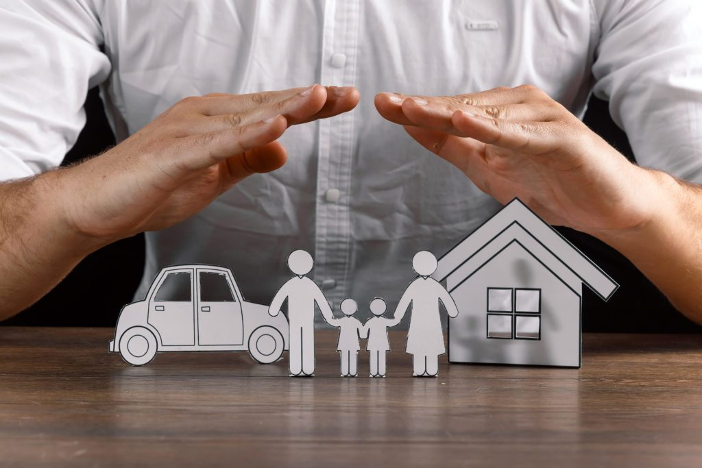 Blog - insurance house protection concepts, Hands post protect over house.