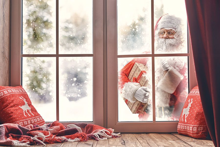 2020 Name That Christmas Song Window Contest - Santa Claus Knocking At Window