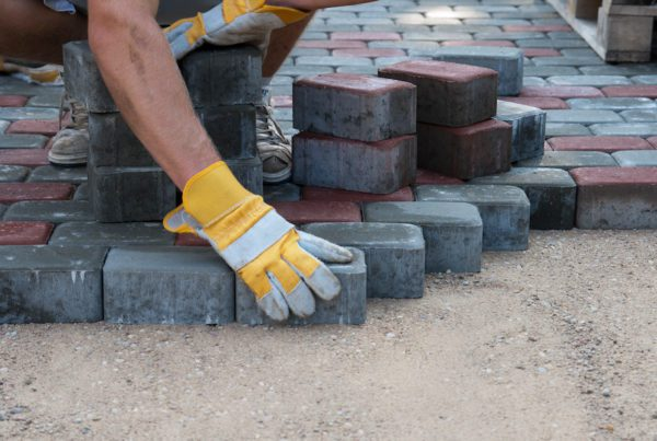 Blog-Cobblestone-and-Paver-Walkways
