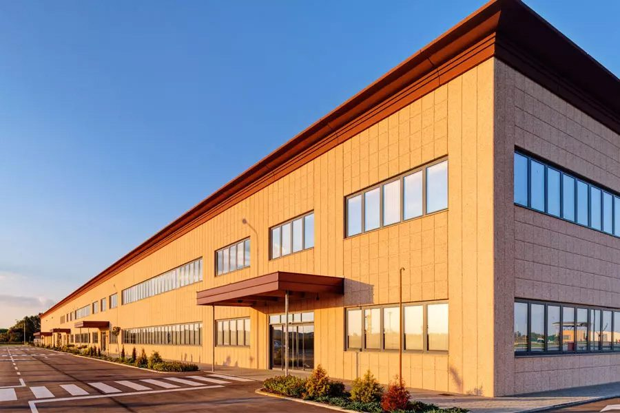 Commercial-Property-Insurance-Modern-Industrial-Building-in-an-Industrial-Park